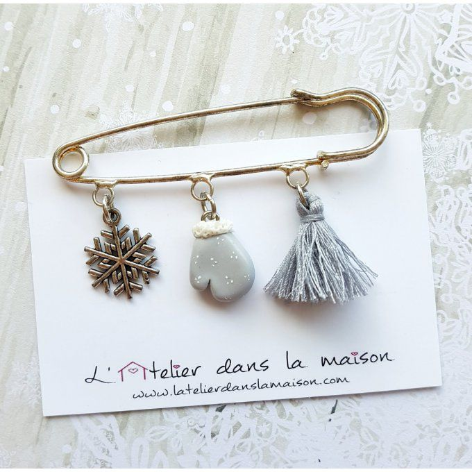 broche épingle hiver moufle flocon pompon